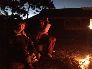 Marshmallows na fogueira são um antídoto para o tédio infantil